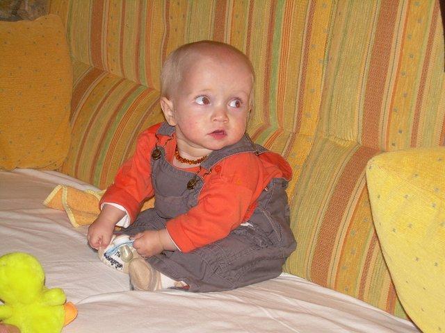 2008  tient un peu assis-001.JPG