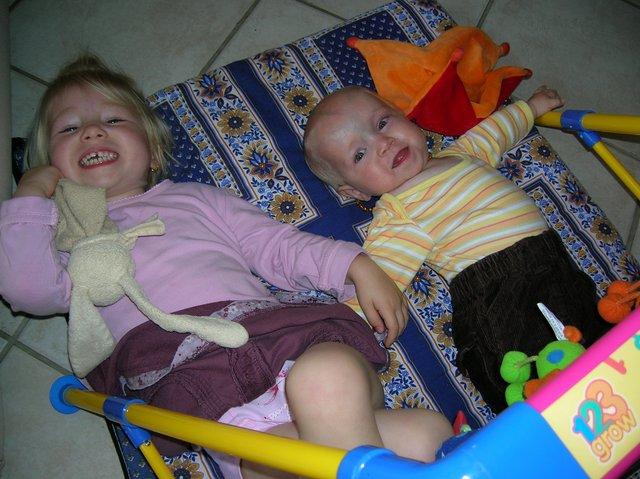 2008 un moment de partage avec sa soeur Rose-001.JPG