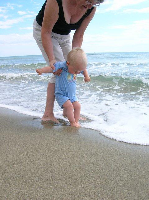 2009 les pieds dans l'eau-001.JPG