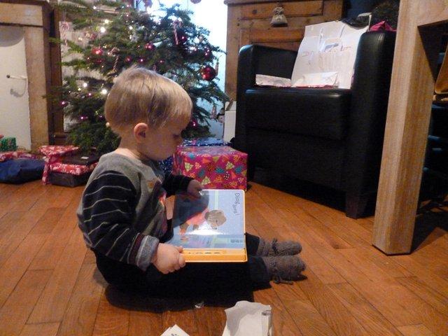 2012 noel commence à lire-001.JPG